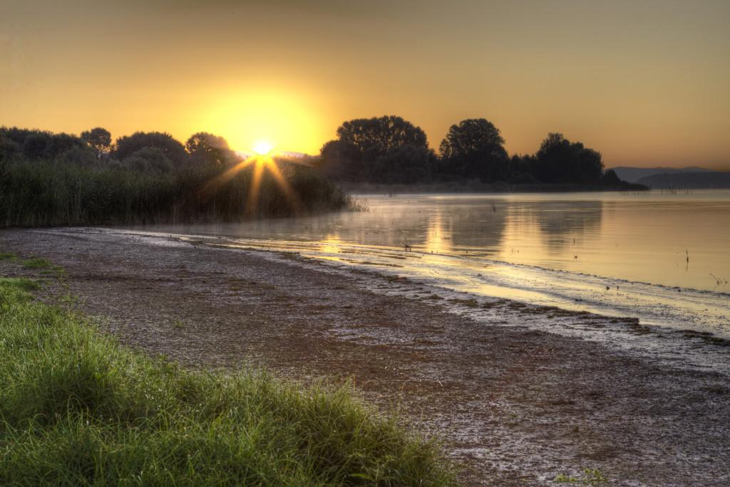 lago Trasimeno alba