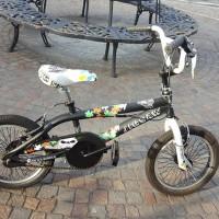 """Bmx in alluminio, ruote del 16"""", leggera e robusta, adatta anche per acrobazie, ruote rinforzate, prolunghe ai perni delle ruote per appoggio, manubrio girevole 360°, freni v-brake"""